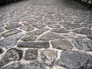 Estrada de pedra natural