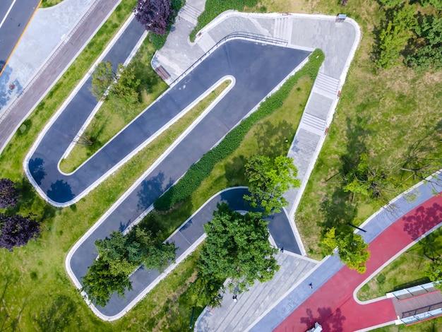 Estrada do parque da cidade para fotografia aérea