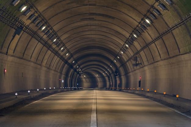 Estrada do túnel