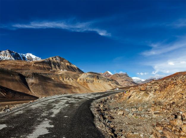 Estrada manali-leh