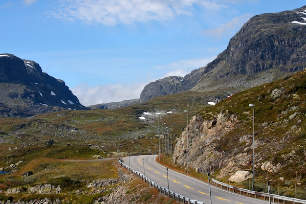 Estrada nas montanhas norueguesas