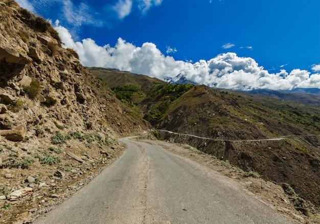 Estrada no himalaia