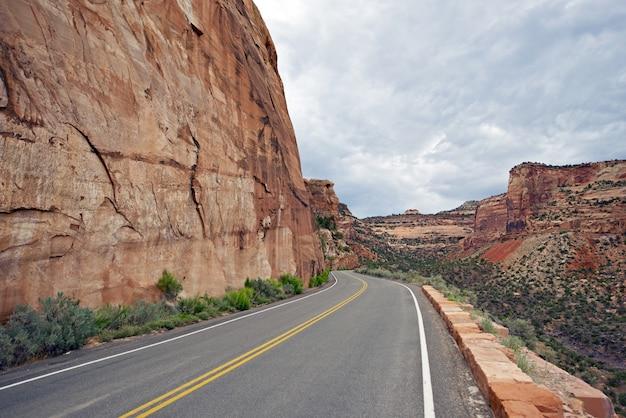 Estrada panorâmica no colorado