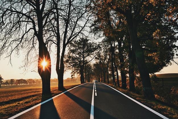 Estrada para o nascer do sol