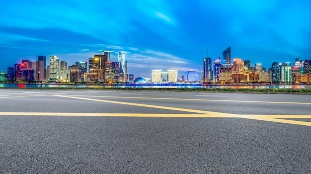 Estrada urbana e paisagem arquitetônica de hangzhou