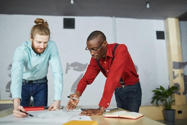 Estratégia de planejamento para dois empresários