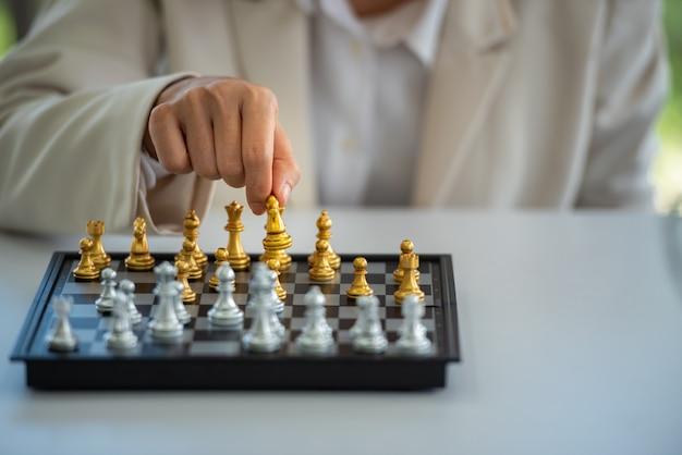 Estratégia de xadrez e jogo de táticas.