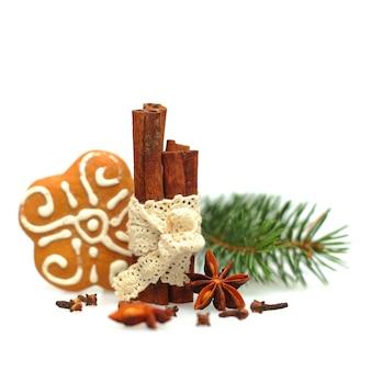 Estrela de anis, canela e biscoitos de natal