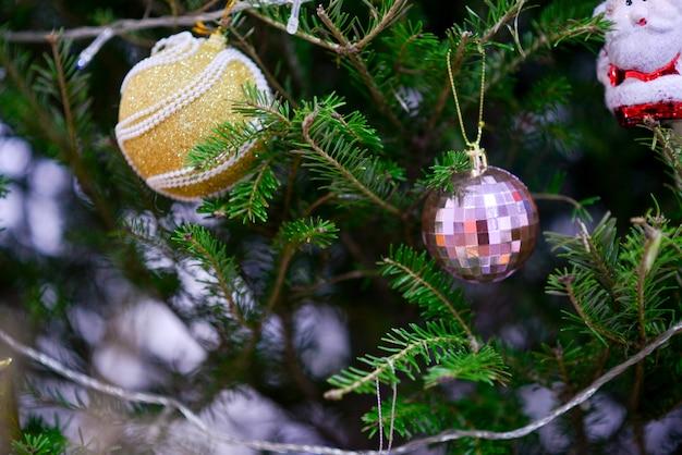 Estrelas, bolas, veados, caixas de presente, sinos, bonecos de neve, natal, bolas de ouro, bolas de prata, festivais