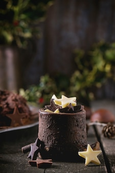 Estrelas decorativas de chocolate