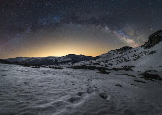 Estrelas e montanhas