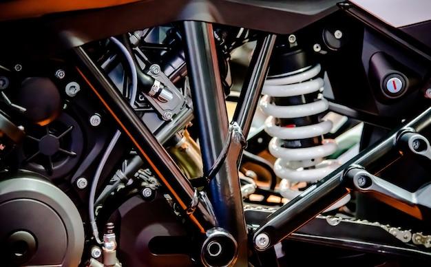 Estrutura bonita da motocicleta com motor novo. Foto Premium