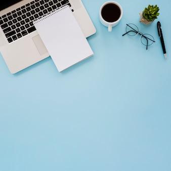 Estrutura de mesa de negócios plana