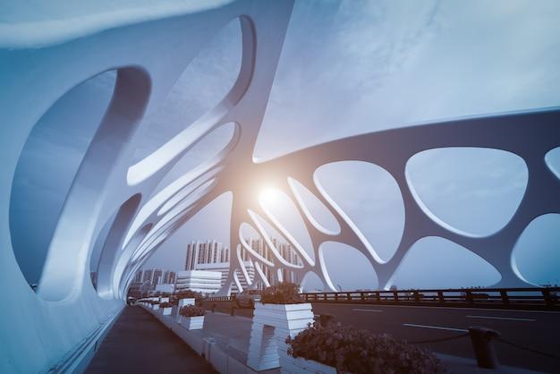 Estrutura de ponte da arquitetura urbana moderna