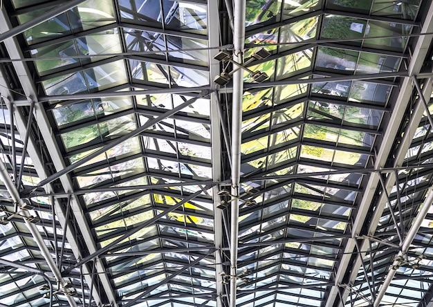 Estrutura de telhado de metal