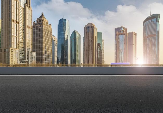 Estrutura de viagem de alta arquitetura de concreto de piso