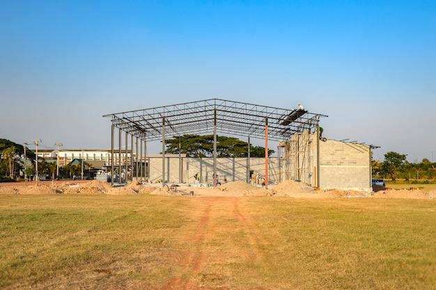 Estrutura do edifício em construção, mais de 30%