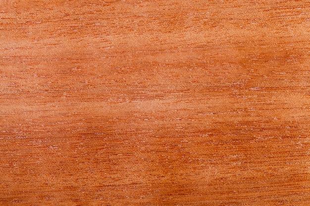 Estrutura em madeira de mogno, detalhes e características de mogno