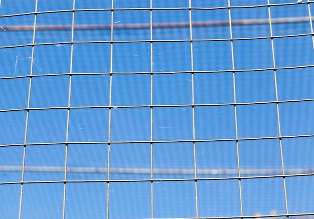 Estrutura metálica de uma gaiola