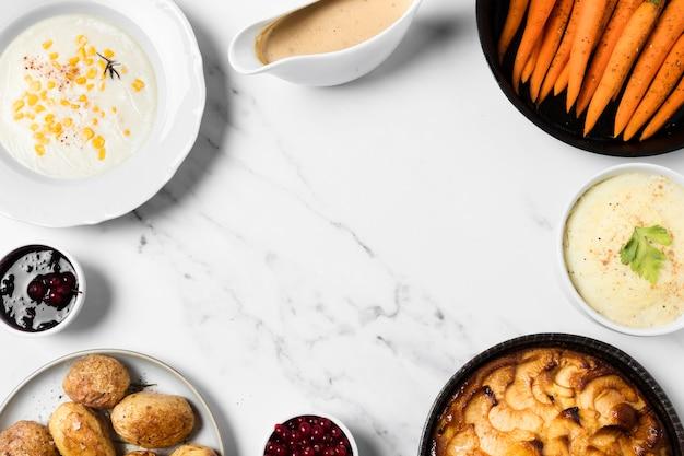 Estrutura plana circular de comida deliciosa