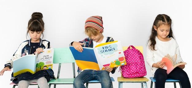 Estudante com mochila para a educação.