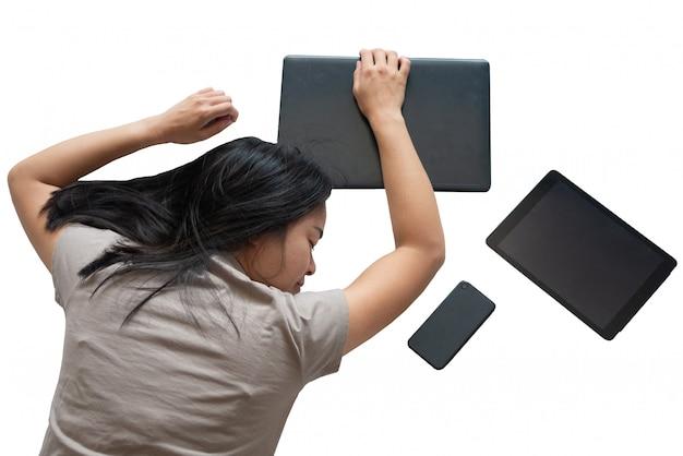 Estudante de intercâmbio ou trabalho dormindo como cansado esgotado estilo de vida trabalhando e estudando tese difícil