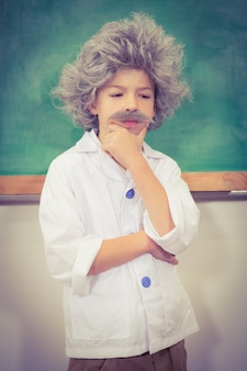 Estudante vestida como einstein
