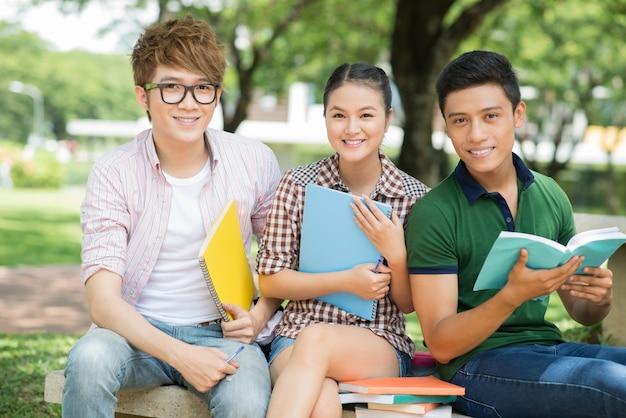 Estudantes modernos