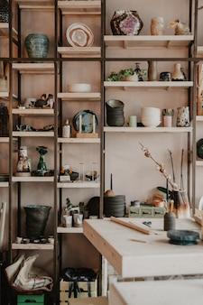 Estúdio de cerâmica para artesanato com argila