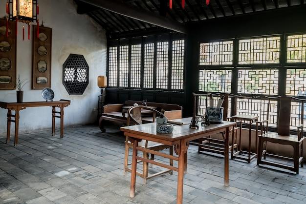 Estudo chinês antigo na cidade antiga de zhouzhuang de suzhou, china