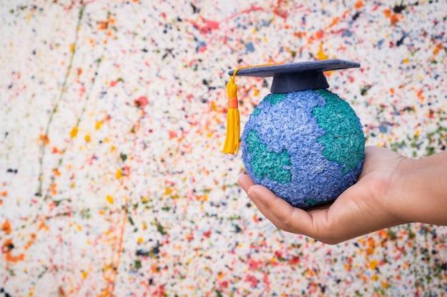 Estudo do mundo da educação no exterior ideia de conhecimento educacional