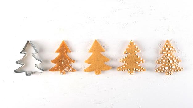 Etapas para fazer biscoitos de gengibre para árvores de natal
