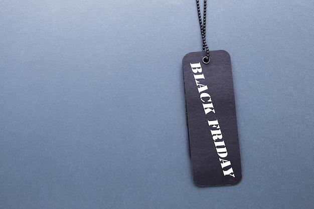 Etiqueta black friday com corrente e espaço de cópia