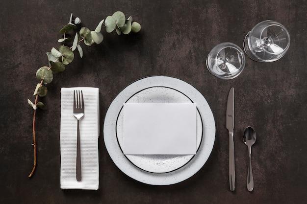 Etiqueta de mesa plana e molho