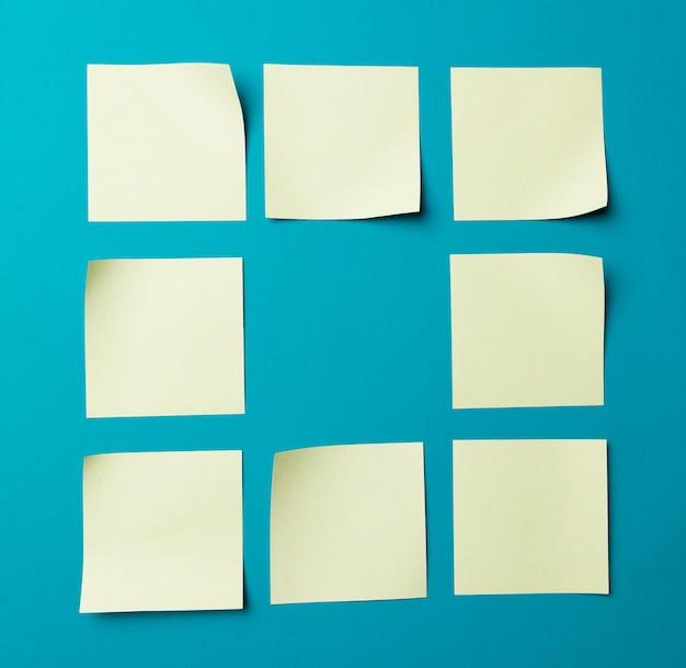 Etiqueta de papel em branco ou adesivo com espaço de cópia