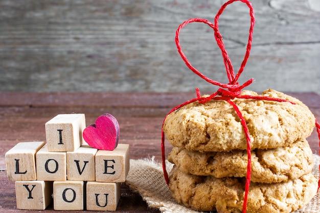 Eu te amo inscrição e biscoitos de aveia caseiros