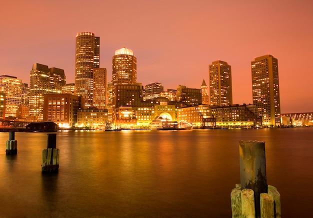Eua, massachusetts, boston, cidade, skyline, de, porto, em, anoitecer