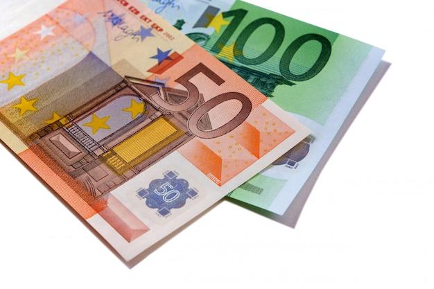 Euro 50 e 100 contas de dinheiro