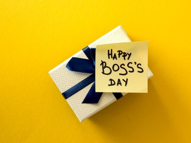 Evento do dia do chefe com presente