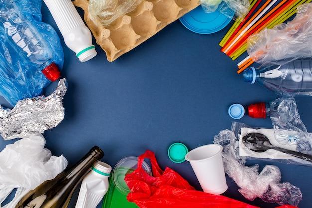 Evitando plásticos descartáveis. poluição de plástico