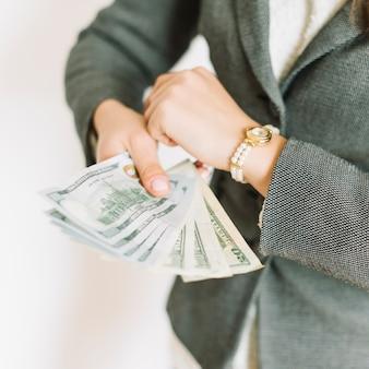 Executiva, com, dinheiro