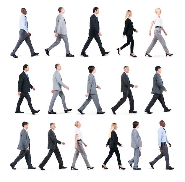 Executivos caminhando