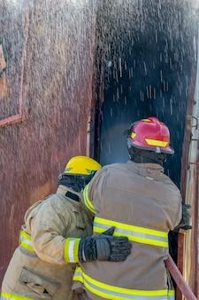 Exercício da estação de treinamento de bombeiros