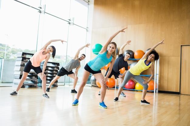 Exercício de classe física no estúdio