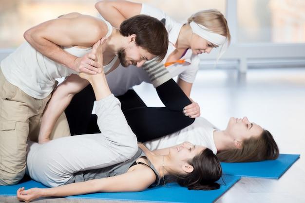 Exercício para coxas com parceiro