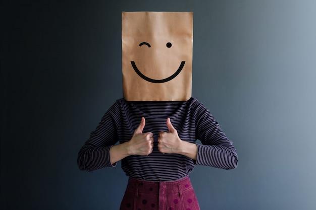 Experiência do cliente ou conceito emocional humano. sentimento feliz e linguagem corporal