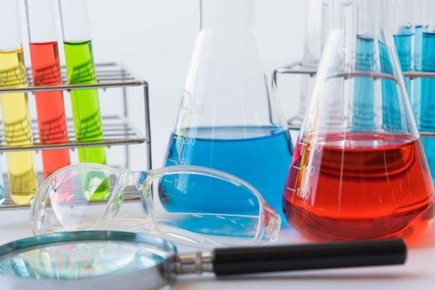 Experiências de equipamentos e ciências