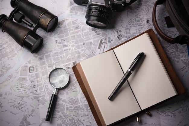 Explorando destino de férias, planejamento de viagem