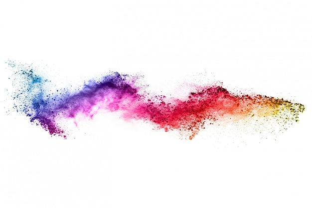Explosão de pó colorido em branco.
