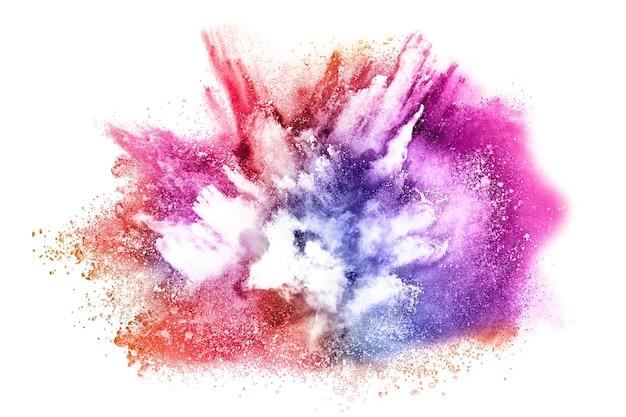 Explosão de pó colorido em fundo branco